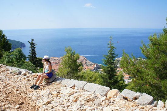 Funiculaire de Dubrovnik : Hiking up