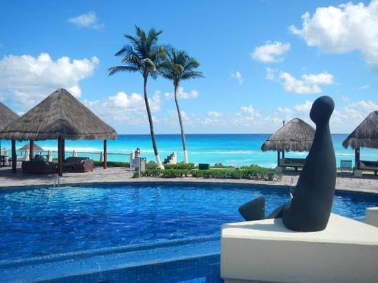 Paradisus Cancun: royal sevice side