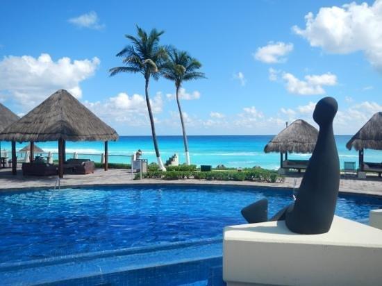 Paradisus Cancun : royal sevice side