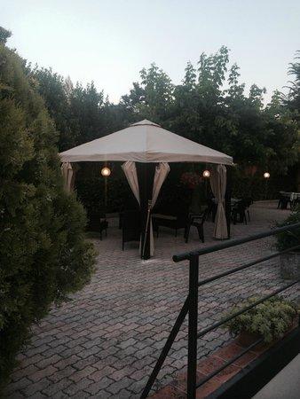 Hotel Restaurant Vecchio Forno: Giardino