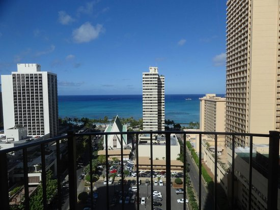 Hilton Waikiki Beach: View from deluxe ocean view room