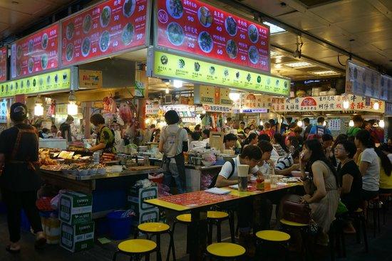 Shilin Nightmarket: 地下のごはん屋さん街