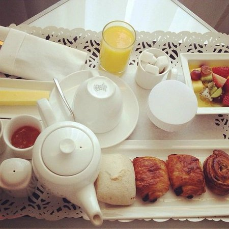 K108 Hotel: Breakfast in bed (Continental)