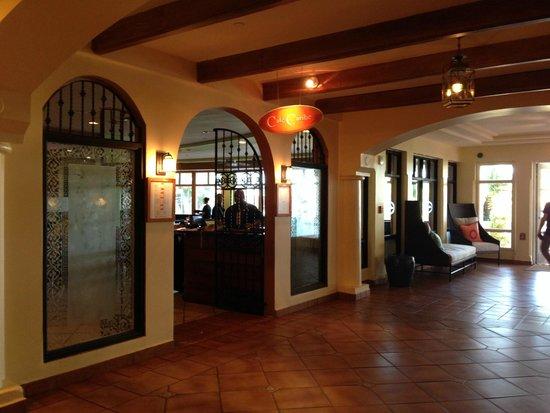 El Conquistador Resort, A Waldorf Astoria Resort: interno hall