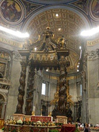 Baldacchino di San Pietro, di Bernini: Baldacchino barocco