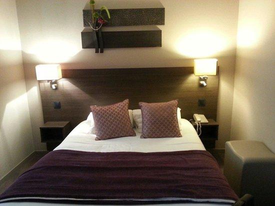 Hotel France Albion: Chambre double supérieure : spacieuse et confortable