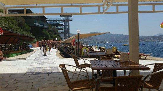 Green Beach Resort: Plaj
