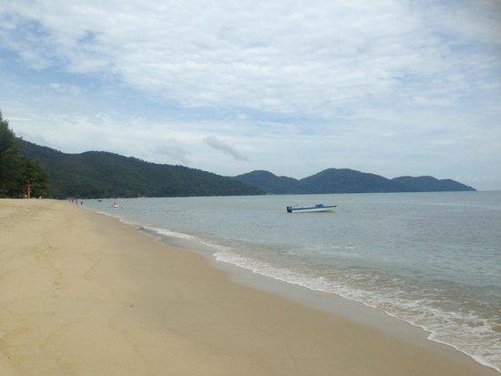 Holiday Inn Resort Penang : beach at hotel