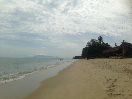 Holiday Inn Resort Penang: beach at hotel