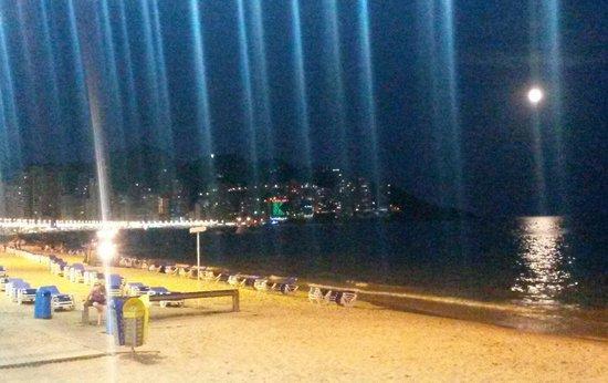 Presidente Hotel: Lavante beach at night;-)