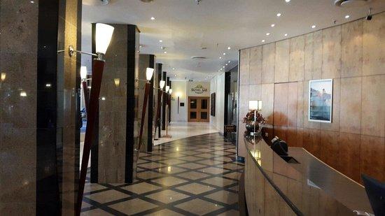 InterContinental Lusaka: At the lobby