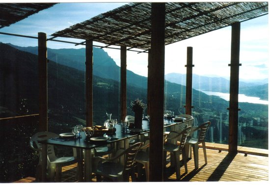 terrasse avec brise vent en verre photo de restaurant les manins embrun tripadvisor. Black Bedroom Furniture Sets. Home Design Ideas