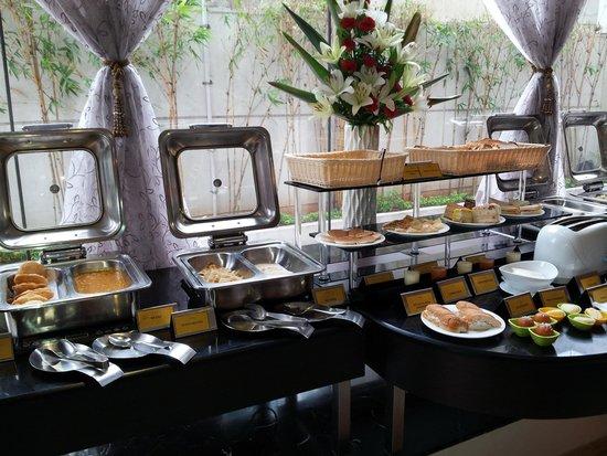 Citrine Hotel: Amazing breakfast spread