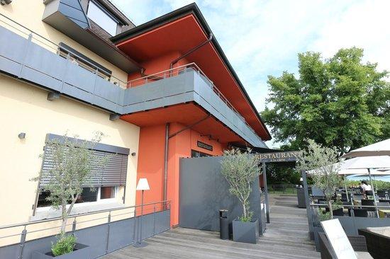 Bodensee-Hotel Sonnenhof: Eingang über die Terrasse