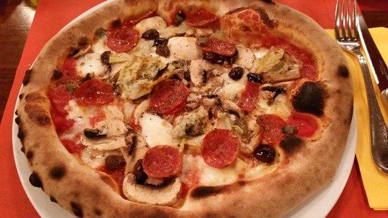 Du de Cope: Pizza capricciosa e salamino piccante