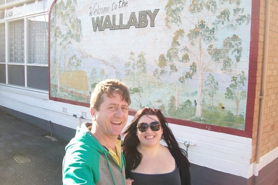 Wallaby Motel: outside at the wallaby