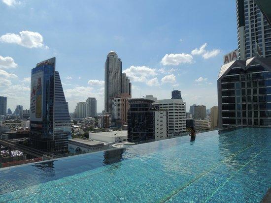 Hotel A Singapore Con Piscina Sul Tetto