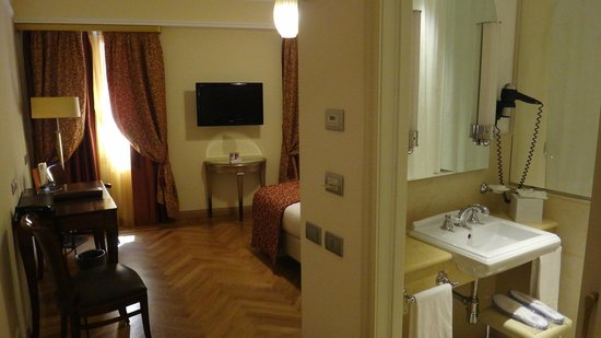 Grand Hotel Savoia : двухместный номер
