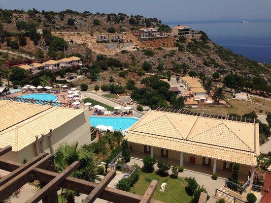 Apostolata Island Resort & Spa : View from bar area