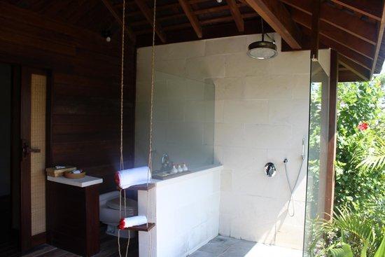 Naya Gawana Resort & Spa : Outdoor bathroom