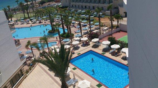 Tsokkos Beach Hotel: Бассейн