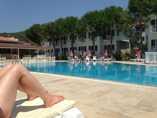 White Hotel: Poolside