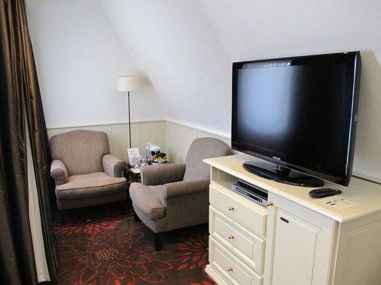 Hotel Prinsenhof Bruges : Superior Deluxe room (sitting corner)