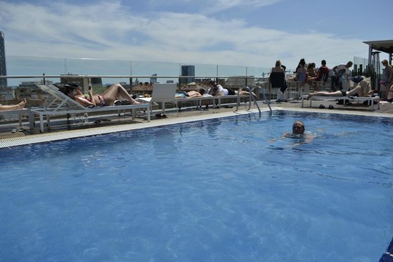 H10 Marina Barcelona Hotel: Pool