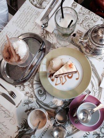 The Diamond Jubilee Tea Salon: Carrot cake ice cream and tea
