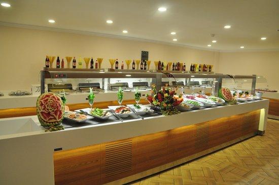 Sunshine Holiday Resort: wonderful food