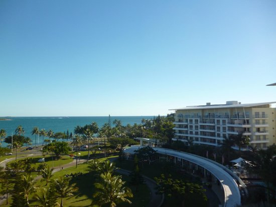 Hilton Noumea La Promenade Residences : View of hotel and grounds from balcony