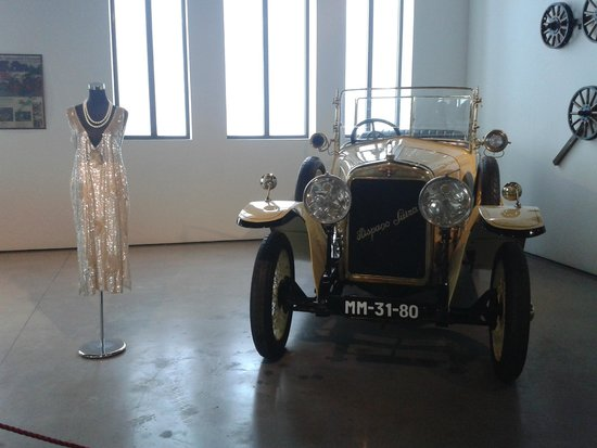Automobile and Fashion Museum : 2