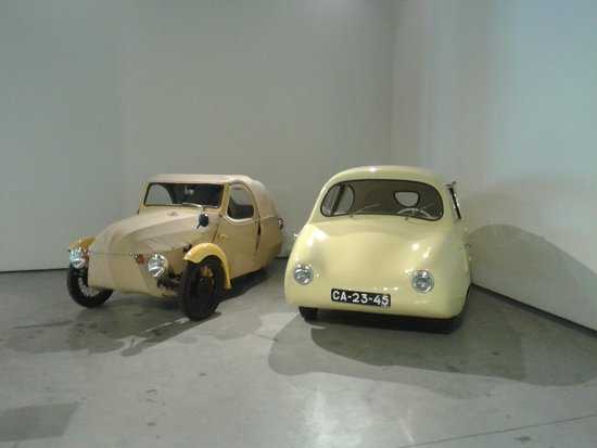 Automobile and Fashion Museum : 4