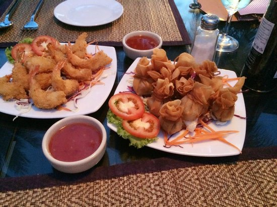 La Dolce Vita - Ristorante & Lounge Beach Bar : Tempura Shrimp and the wonderful Golden Bags!