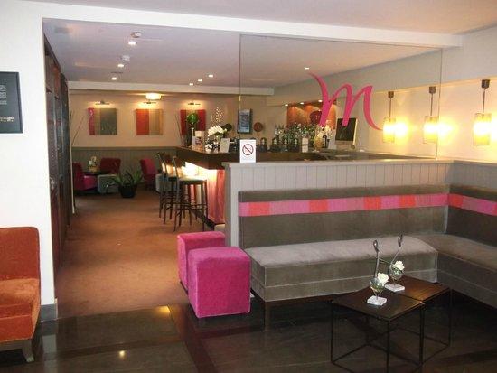 Mercure Deauville Centre : Le bar