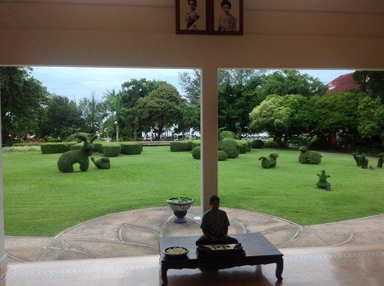 Centara Grand Beach Resort & Villas Hua Hin : vue du jardin