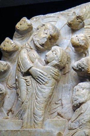 Centre de Sculpture Romane : La résurrection de la Vierge sur le tympan marial de Cabestany