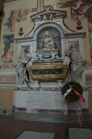 Basilica di Santa Croce: могила Г.Галилея