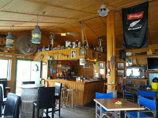 The Boat Shed Bar & Grill: The Awesome decor