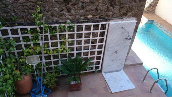 Apartamentos La Iguana: Piscina