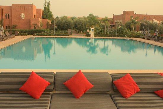 La piscine la plus profonde 1m50 photo de kenzi club for Piscine rectangulaire 1m50