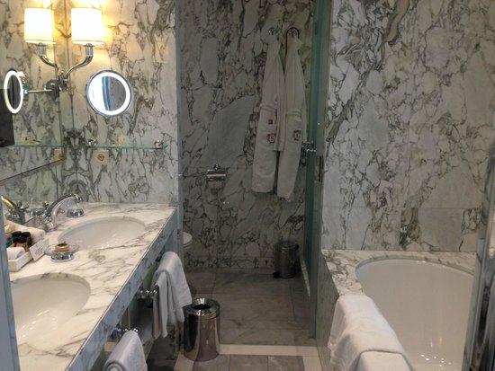 Hotel Sacher Wien: Salle de bains
