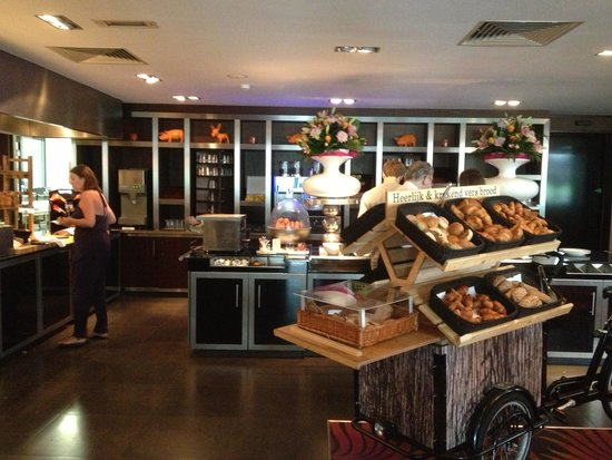Van der Valk Hotel Den Haag-Nootdorp : Frühstücksbüffet