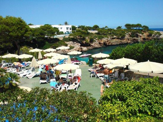 Inturotel Cala Esmeralda: Pool bar area