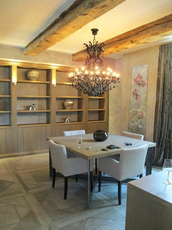 NE5T Hotel & Spa : Dining area in Duplex Vauban