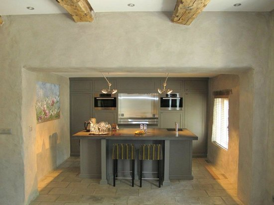 NE5T Hotel & Spa : Kitchen in Duplex Vauban