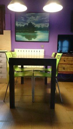 Apartamentos La Iguana: Zona comedor, apartamento 11, 2 plazas cama 150x190