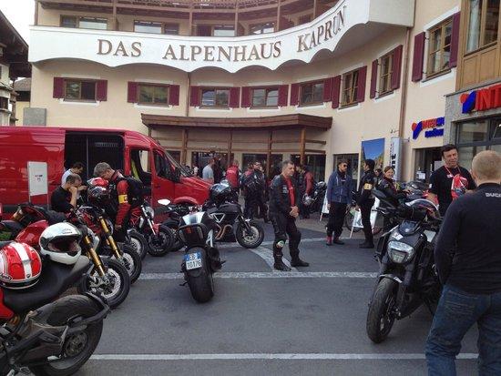 Das Alpenhaus Kaprun: giro in motocicletta