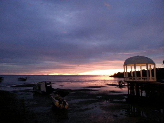 Thalassa PADI Dive Resort: View of Sunset from Thalassa 5* PADI Dive Resort