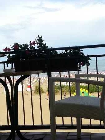 Hotel Stellamare: foto scattata dal letto - vista stanza 212